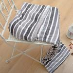 法蘭絨單層毯 120x150cm(灰白線條) 冷氣房適用 冬夏皆可用《Embrace英柏絲》