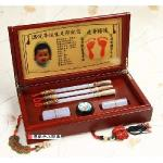 【傳家手工嬰兒三寶】嬰兒三寶 (頂級檀木盒+金足印+頂級玉石全手工胎毛筆2支+發財章半手工篆刻2顆